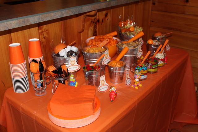 A garfield party half a hundred acre wood for Dragon ball z decorations